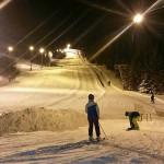 Auch in der Dunkelheit ist das Skilaufen ein Vergnügen